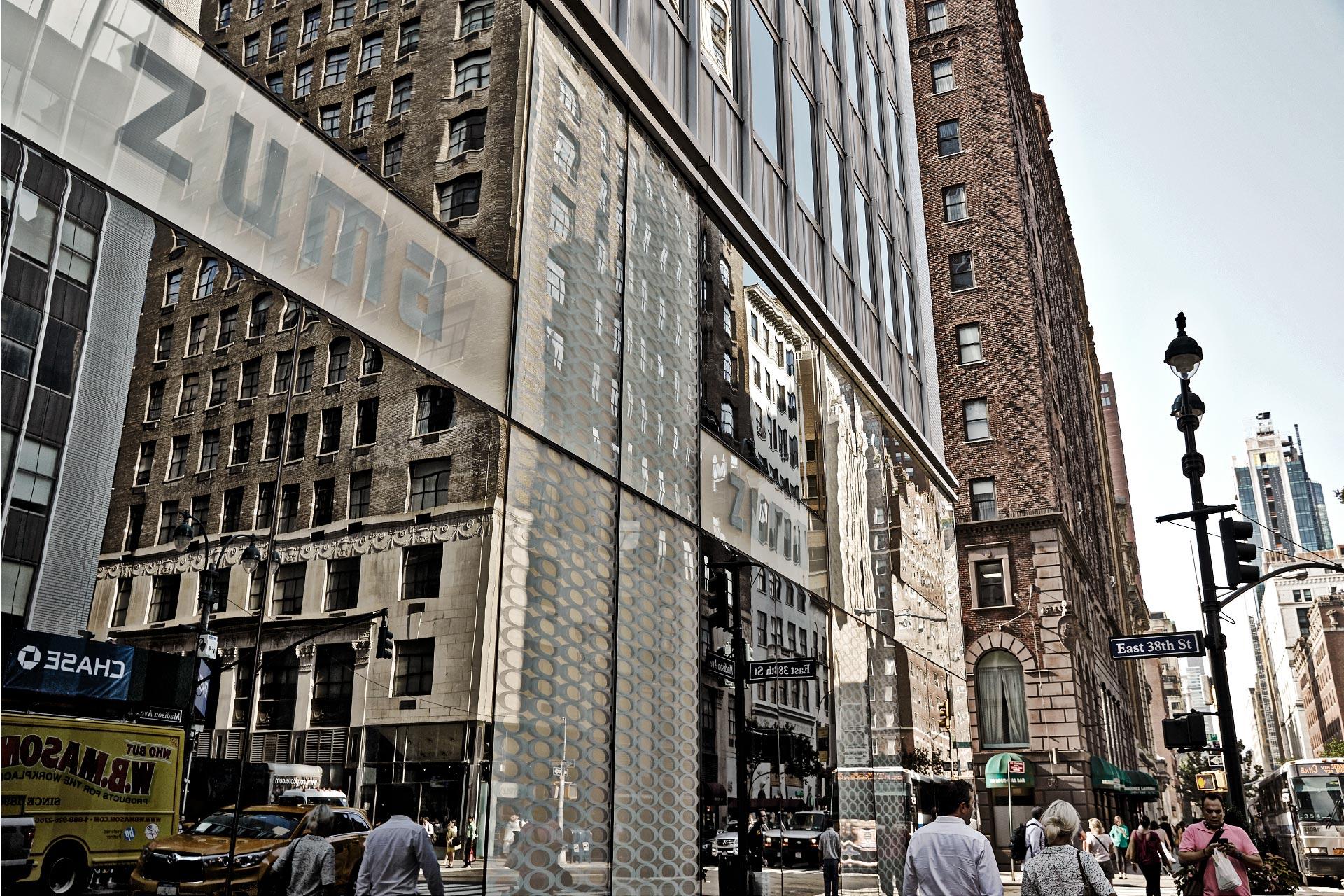 Contenproduktion Zuma New York Fassade